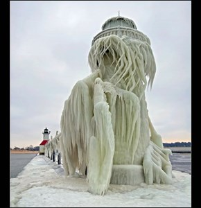 Tom Gill Captures the St. Joseph Lighthouse, Michigan