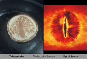 This pancake Totally Looks Like Eye of Sauron