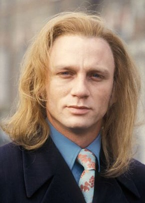 Daniel Craig in the 90s... DO NOT WANT