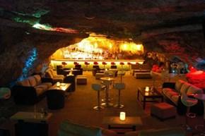 Cave Bar WIN