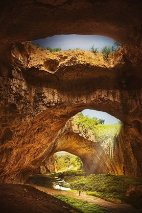 Devvetashka Cave, Bulgaria