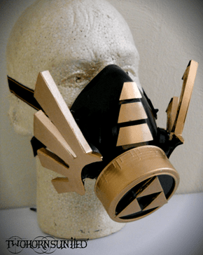 Gas mask of the goddess