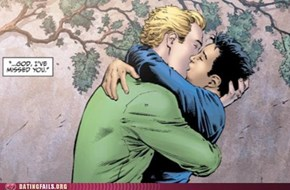 The Green Lantern is Gay, Ryan Reynolds Assures People That He is Not