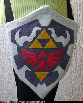 Legend of Zelda Ocarina Of Time Hylian Shield Purse