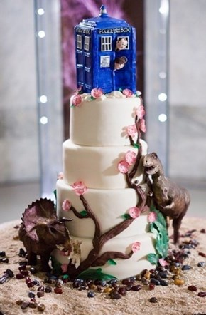 cake, doctor who, tardis, dinosaurs, timelord