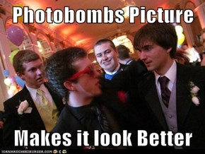 Photobombs Picture  Makes it look Better