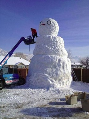 Giant Snowman WIN
