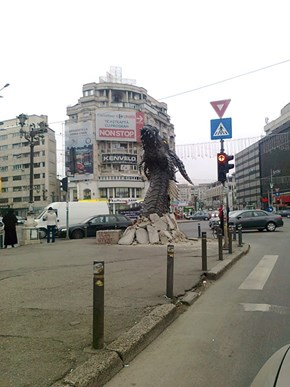 Smaug Makes an Appearance in Bucharest