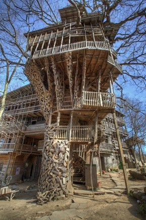 The Coolest Treehouse in the World is in Crossville, Tennesee