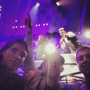 Justin Timberlake Photobombs Concertgoers