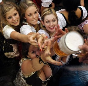 Wenches Love Beer