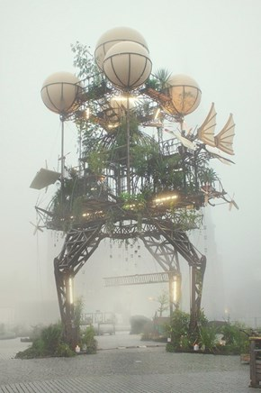 This Sculpture Might Remind You of a Certain Moving Castle
