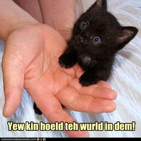 Yewr Hands iz Hewjsum!