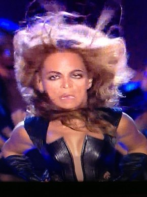 Cringe of the Day: Beyoncé in Freeze Frame