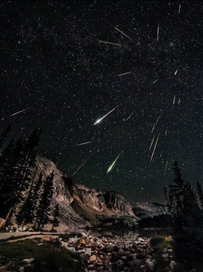 A Time-Lapse of the Perseid Meteor Showers