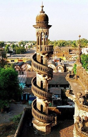 Mahabat Maqbara, India