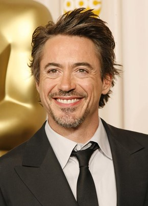 The 9 Most Bootylicious Gifs of Robert Downey, Jr.