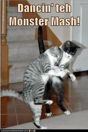 Dancin' teh Monster Mash!