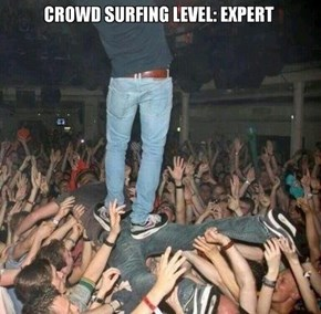 This is How You Smartly Crowd Surf