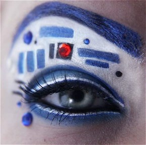This R2D2 Inspired Eye Makeup Doesn't Have a Bad Motivator
