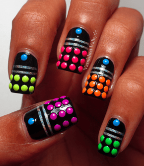 Dalek-table Nail Art