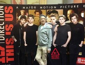 Sir Ian McKellan Loves the 1D