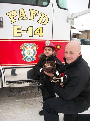 Chihuahua stuck in vent saved by Saskatchewan firefighters (CBC News)