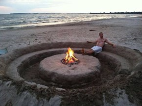 An Innovative New Take on a Beach Pit
