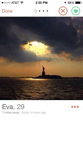 You Best Swipe Right for This Girl