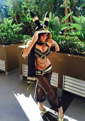 Jessica Nigri as Umbreon at Blizzcon