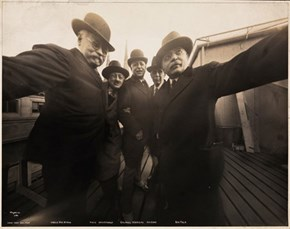 Retro Future of the Day: This Might be the World's First Photographed Selfie