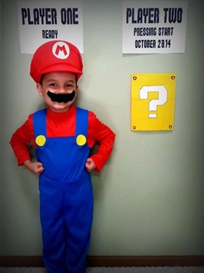 Cosplay and Baby Announcements Done Right