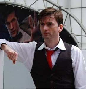 Even Matt Smith Wants To Touch Tennant's Hair