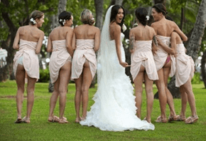 "Latest Trend in Bridesmaids Photos Gives Us a Look ""Behind"" the Scenes"