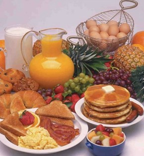 A breakfast buffet for the ComfeeSofa Ladies!