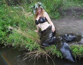 Turn Those Trash Bags Into a Mermaid Costume