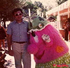 Was that Casey Kasem alongside ... a Magic Mountain Troll?