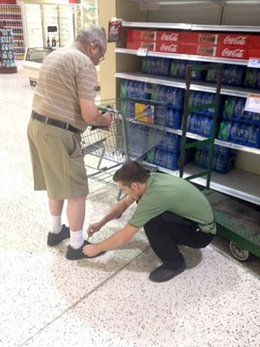 Grocery Store Employee Goes the Extra Mile