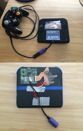 This Guy is Ready for to Play Super Smash Bros. on His 2DS