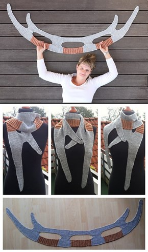 Star Trek's Bat'leth in Scarf Form