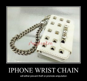 IPHONE WRIST CHAIN