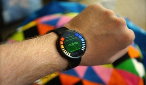 Motorola's Smart Watch Gets a Goldeneye Interface