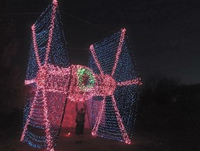 Don't Bother Untangling Your Lights, This Guy's TIE Fighter Display Already Won Christmas