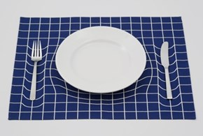 Thoroughly Confuse Your Next Dinner Party Guests With Amazing Trick Placemat