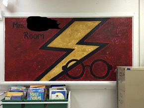Teacher Welcomes Back Students With Harry Potter Themed Classroom
