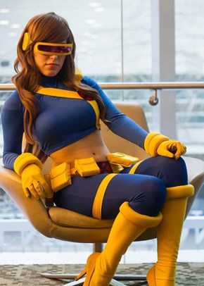 Rule 63 Cyclops Cosplay