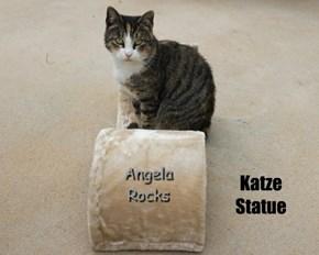 Katze  Statue