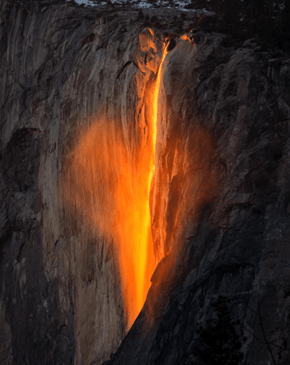 "Sunset Causes a Stunning ""Firefall"" in Yosemite National Park"
