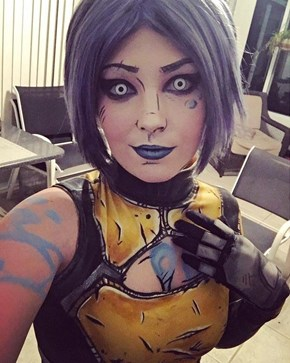 Borderland 2's Maya the Siren Cosplay Touts an Impeccable Attention to Detail