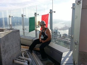 A Construction Worker Put a Mexican Flag on Top of Trump Tower in Vancouver